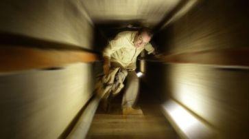 Javier Sierra se adentra en el interior de la Pirámide de Egipto en Espacio en Blanco
